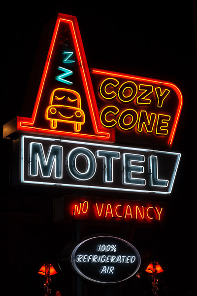 Cozy Cone Motel, Disney California Adventure
